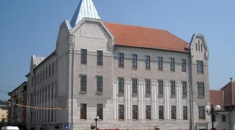 """5 posturi libere la Colegiul Național """"I.C. Brătianu"""" Hațeg"""