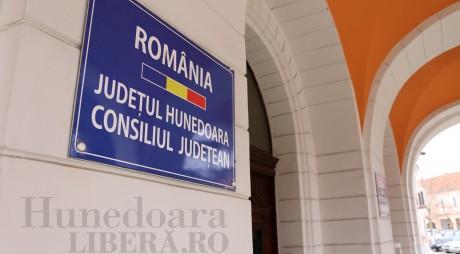 Consiliul Județean deschide un birou în Valea Jiului