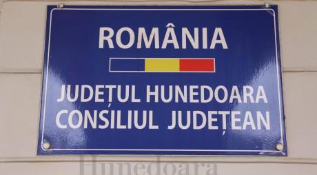 Consiliul Județean ar putea fi în formație completă la sfârșitul lui ianuarie, la 4 luni de la alegeri