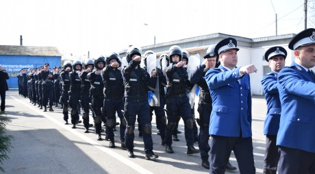 Jandarmii hunedoreni, rechemați la posturi