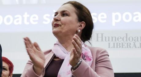 BOMBĂ ÎN PNL! Carmen Hărău nu poate candida la alegerile locale