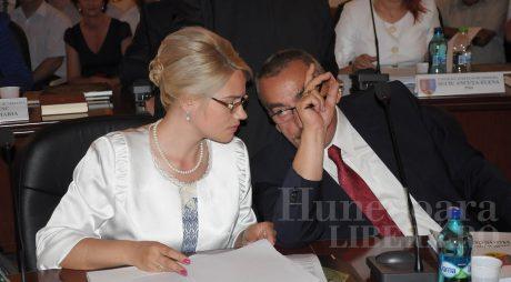 Rodica Dimulescu, cea mai corectă ținută la constituirea CJ