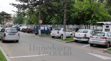 Deva: Sistemul de parcări publice cu plată, în dezbatere publică