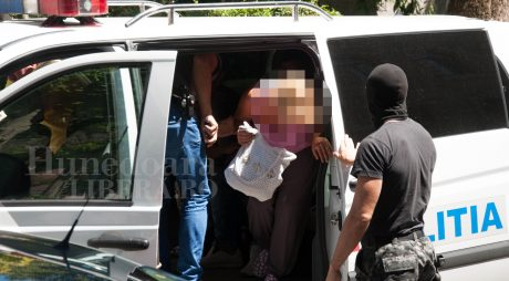Grup infracțional de evazioniști destructurat de BCCO Alba Iulia
