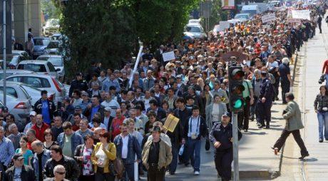 8000 de sindicaliști ies joi în stradă