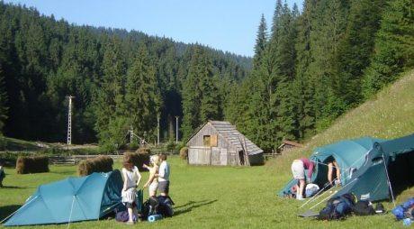 PEISAJE DE VIS! Locuri de mers cu cortul în România