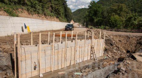 Drumul spre Mănăstirea Prislop va fi finalizat în vara acestui an