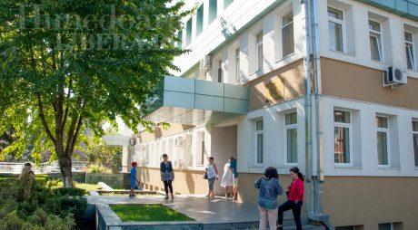Tariful de însoțitor al copiilor mai mari de 3 ani, internați în spital, a fost aprobat de Guvern