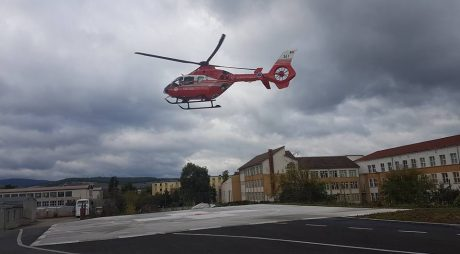 Elicopterul SMURD a aterizat pe heliportul de la Hunedoara