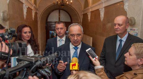 Parlamentarii hunedoreni ai PSD, împotriva legilor pentru UDMR