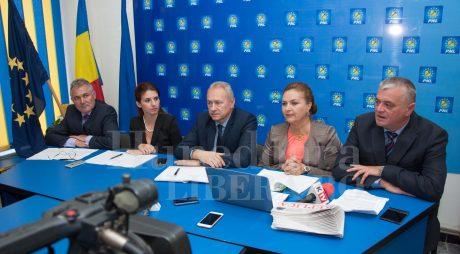 Ce se schimbă în PNL Hunedoara, de fapt?!