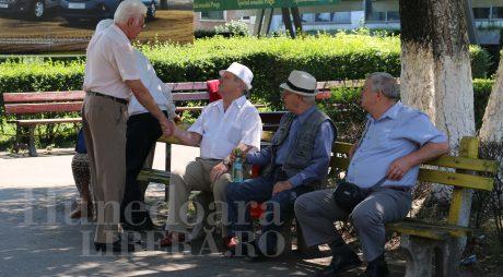 Peste o treime dintre hunedoreni – pensionari!