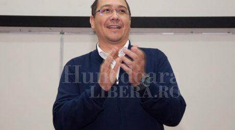 Ponta: După ce moţiunea trece, voi propune PSD refacerea majorităţii