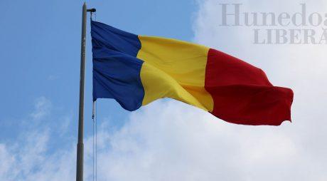 Luni, Ziua Drapelului va fi sărbătorită la Deva