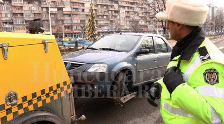 DEVA | Mașinile parcate neregulamentar vor fi ridicate