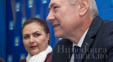 20 de liberali hunedoreni participă la CNC al PNL
