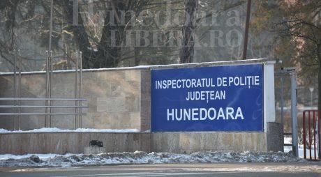 Polițiști hunedoreni cercetați de procurori și de IGPR