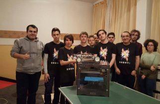 """RobotX – invenția elevilor Colegiului """"Traian Lalescu"""" din Hunedoara"""