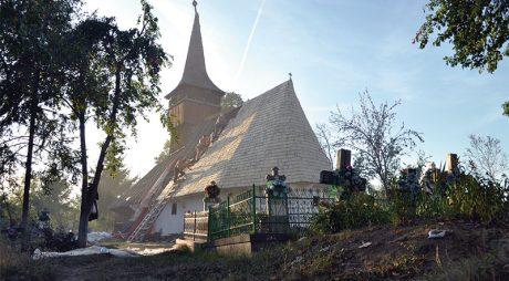 Sesiune de lucru pentru salvarea bisericilor monument