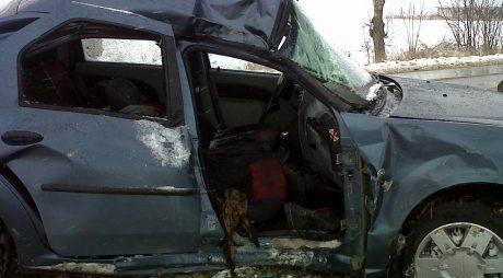 NEWS ALERT: Accident RUTIER cu 3 răniți, duminică dimineață