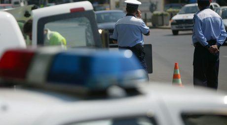 Control tehnic al masinilor aflate in trafic efectuat de Politia Rutiera alaturi de Registrul Auto Roman (RAR), in Bucuresti, marti, 12 mai 2009. INTACT IMAGES/Jurnalul National/Dan Marinescu