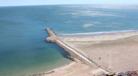 Plajele de la Mamaia și Eforie se dizolvă în mare