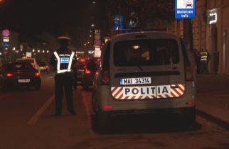 Doi bărbați au fost snopiți în bătaie după ce au fost confundați de polițiști