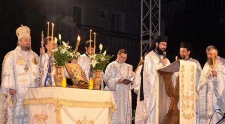 Hunedorenii au primit Lumină de la Sfântul Mormânt