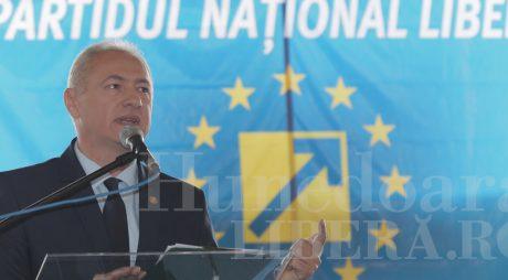 NEWS ALERT: Lucian Heiuș este noul președinte al PNL Hunedoara