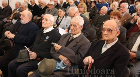 Diplome de onoare pentru veteranii de război din Deva