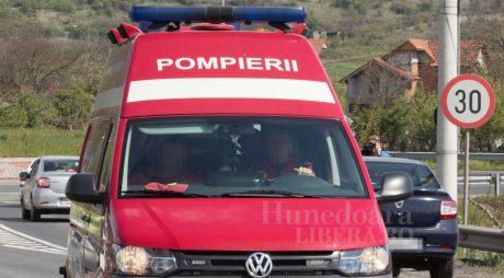 DEVA | Trei tineri răniți într-un accident rutier