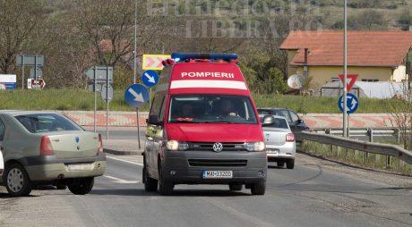Două maşini au luat foc pe autostrada A1. Traficul este restricţionat pe sensul Sebeş-Sibiu