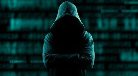 Cum să te ții departe de fraude și furt de identitate pe internet