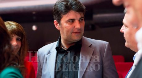 Hunedoara: Fost viceprimar condamnat cu executare, fosta sa soție și fostul secretar, cu suspendare