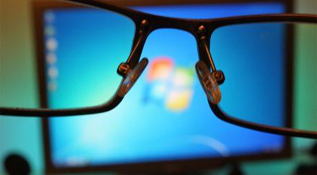 Lucrezi la calculator? Angajatorul este obligat să îți achite controalele oftalmologice