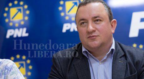 Adrian David (PNL): Operatorii de apă din județul Hunedoara, ruinați de PSD!