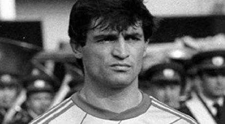 Naționala de fotbal a României 1990-2000 va juca la Hunedoara