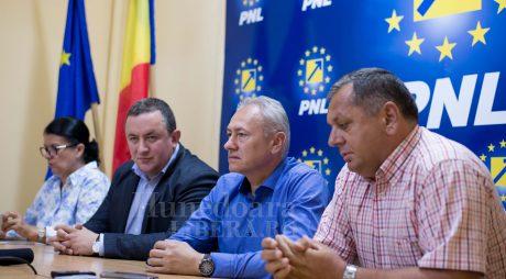 """PNL în opoziție: Când trei se luptă, al patrulea """"înfrânge""""!"""
