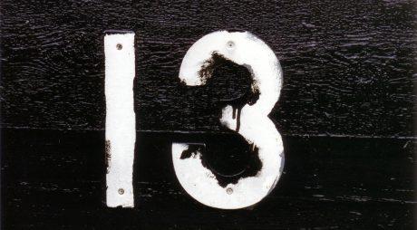 Superstiții, marți 13. Cum să te FEREȘTI de ceasurile rele