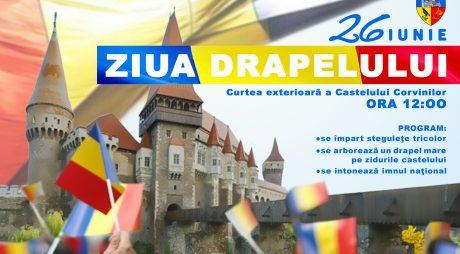 Drapelul României, arborat pe Castelul Corvinilor