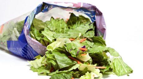 Ce nu știai despre salata la pungă-Te poți îmbolnăvi grav