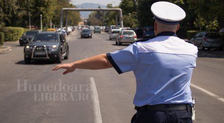A lovit şi a FUGIT! Şofer fugar căutat de polițişti