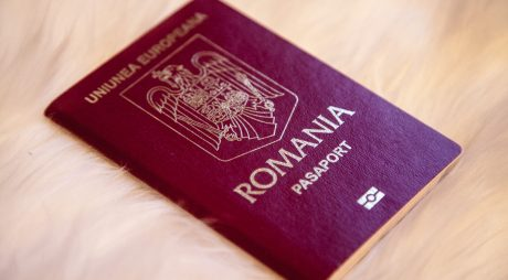 Legea privind scutirea de la plata taxelor consulare la eliberarea vizelor pentru anumite categorii, promulgată