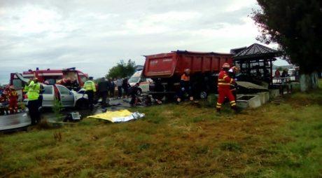 BREAKING NEWS: Trei MORȚI și trei RĂNIȚI într-un accident grav