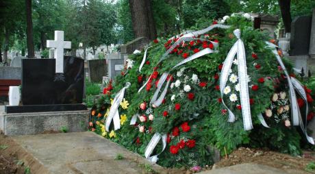 Românii nu mai au voie să plângă mortul timp de 3 zile