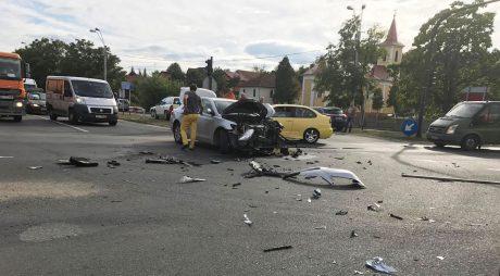 Accident cu 3 răniți, la Sântuhalm