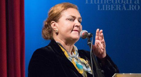 Rezultate sondaj: Ar trebui să-și dea demisia din funcția de senator PNL Eleonora Carmen Hărău?