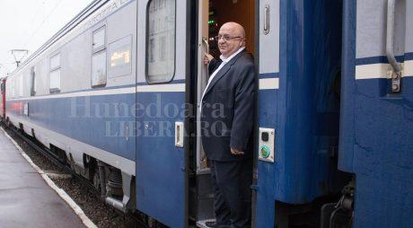 DEVA | Șeful CFR, demis de la scara trenului