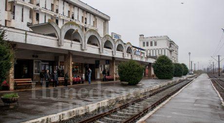 Breaking News: FOCURI DE ARMĂ ÎN GARA CFR DEVA