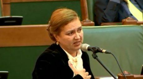 GAFA ANULUI: Eleonora Carmen Hărău s-a făcut de râs în ditamai Senatul României (VIDEO)